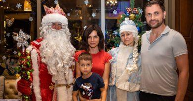 งานเฉลิมฉลองวันคริสต์มาสรัสเซีย ที่บลูทรีภูเก็ตงานเฉลิมฉลองวันคริสต์มาสรัสเซีย ที่บลูทรีภูเก็ต